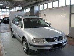 Volkswagen Passat Variant 1.9 TDI/115 CV cat C.line del 2000 usata a Ascoli Piceno
