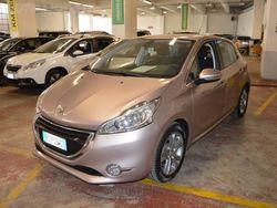 Peugeot 208 HDi 68 CV 5 porte Allure del 2013 usata a Moncalieri